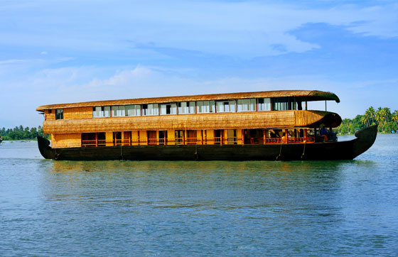 Munnar-houseboat-honeymoon